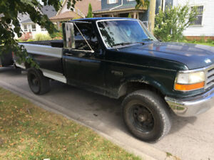 1992 Ford F-250 Custom Pickup Truck