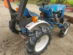 Ford 1200 tractor