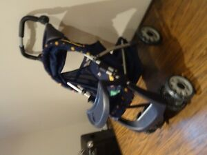 Lot of 4 -High Chair Graco), Stoller, Car Seat, Crib (all toys) West Island Greater Montréal image 10