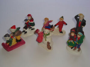 Lot 5 - Accessory Pieces for Christmas Village - Vintage