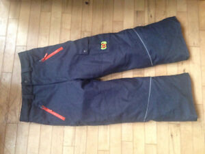 New boys snow pants size 8