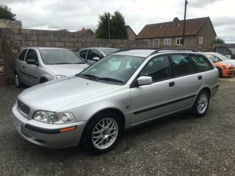 2001 volvo v40 1 9 d s classic 5dr in lochgelly fife gumtree. Black Bedroom Furniture Sets. Home Design Ideas