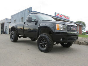 """2008 GMC Sierra 4x4 Lifted 35"""" tires $208 Payment"""