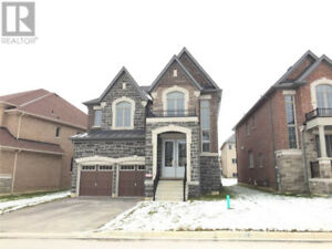 2 Story Townhouse for RENT in Leslie & Wellington 4 Bed 4 Bath