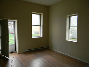 2 Bedroom Apt available immediately Kawartha Lakes Peterborough Area image 2