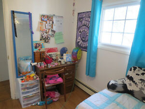 FOR RENT FOR STUDENTS   Sept.1  (group  & individual)