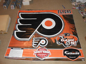 philadelphia flyers nhl scoreboard light and many collectables London Ontario image 4