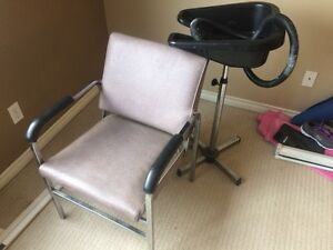 Hair chair and portable sink 100$ obo