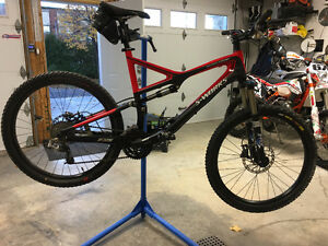 Specialized S-WORK STUMPJUMPER  CARBON NEUF