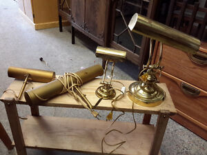 LOT OF 4 TABLE & WALL LIGHT    BRASS  EVERYTHING FOR  $75.00