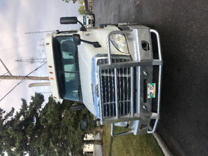 2012 Frightliner cascadia day cab for sale