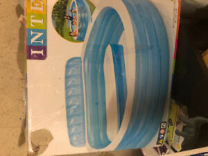 Brand New Unused Intex Family Lounge Pool