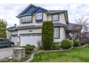 [House Cloverdale] Beautiful custom built 2x6 const. home on a q
