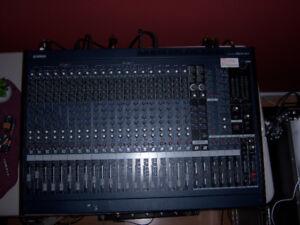 Yamaha MG24/14fx Mixer Board