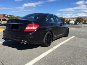 NÉGOCIABLE!-MERCEDES C250 4MATIC 2011 AMG BODY KIT,  95 000 KM !