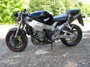 honda cbr929 fireblade engine / runs great / just reduced