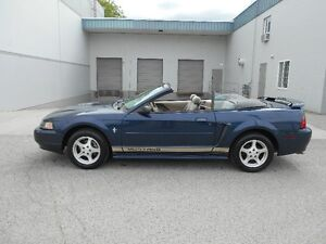 2002 Ford Mustang Convertible 5 Speed 145000KMS