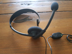 Xbox One Chat Headset w/ volume & mute