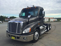 2012 Freightliner Cascadia Daycab - only 112,000, Warranty!