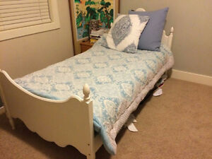 Single bed with frame