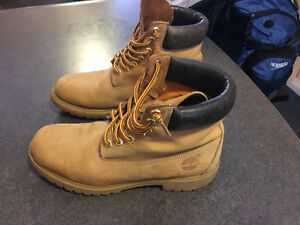 Timberland Size 9.5 Mens Boots