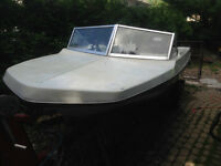 "Sport Craft ""Delta"" Outboard Motor 40 HP - MINT"