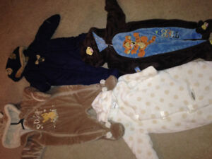 4 Baby snow suits 0-12 months