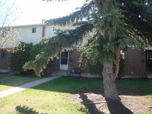 Townhouse style condo in Morinville, available July 1, 2017