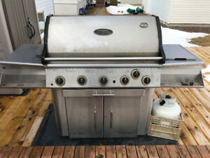 Vermont Castings VM600  large BBQ