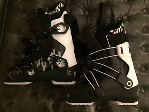 Ladies Full Tilt Ski Boots