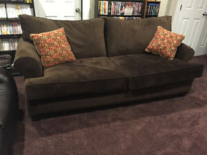 One year old sofa for immidiate sale