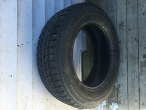 One Bridgestone Blizzak 235/65R17 Winter Tire