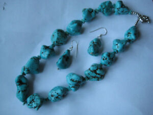CAMBODIAN TURQUOISE NECKLACE AND MATCHING EARRINGS