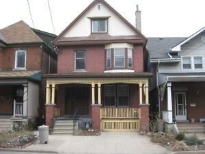 Large Upscale Bachelor – ALL INCLUSIVE [Stinson St. & Wentworth