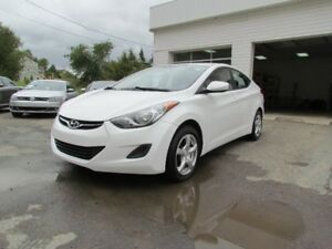 2011 Hyundai Elantra GL WEEKEND SPECIAL. AC! HEATED SEATS! WOW!
