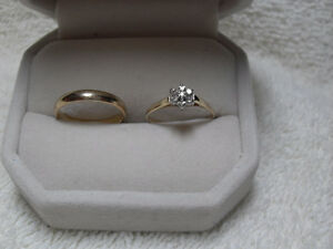 10kt yellow gold Wedding Ring Set (2mm Band) Set Price $350.00