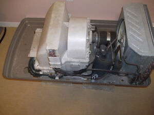 CARRIER RV AIR CONDITIONER - ROOF UNIT FOR PARTS