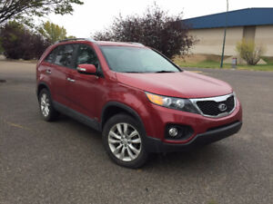 2011 Kia Sorento  Fully loaded Finance Available