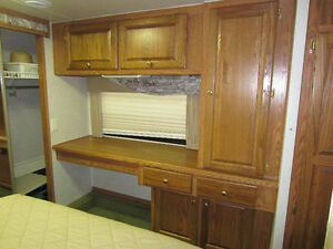 32' Glendale - Golden Falcon 5th Wheel - $10,200.00 Kawartha Lakes Peterborough Area image 8