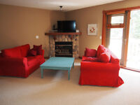 Spacious & Sunny 2 Bedroom Canmore Condo - Furnished