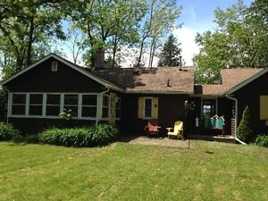 Lakefront Cottage berween Goderich and Bayfield