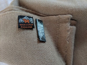Fairtrade pure Mongolian cashmere scarves weaved in Nepal