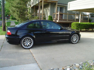 LOOKING FOR A  2002-2006 BMW M3 COUPE. please contact with info