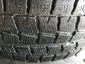 4 Dunlop winter tires size 215 60 16