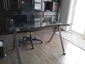 Tempered glass and iron desk Gatineau Ottawa / Gatineau Area image 1