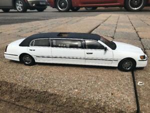 Ford Lincoln limousine sunstar diecast 1/18 die cast