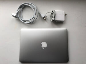 MacBook Pro (Retina, 13-inch, Mid 2014) 256 SSD, Intel i5