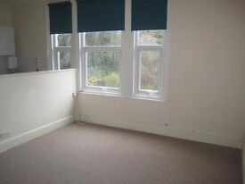 Top floor furnished bedsit in Powderham Crescent