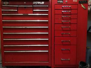Coffre d'outil Gray 20 tiroirs, 1 armoire sur le côté  1 000$