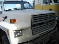 1986 Ford F800
